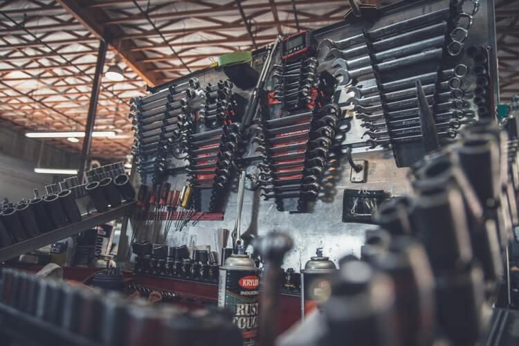 Manutenzione auto elettrica costosa